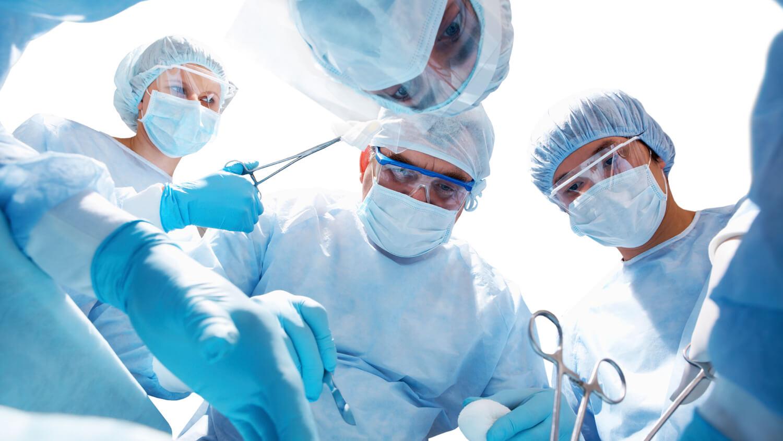 Как проводят операцию при варикоцелее и какими способами?